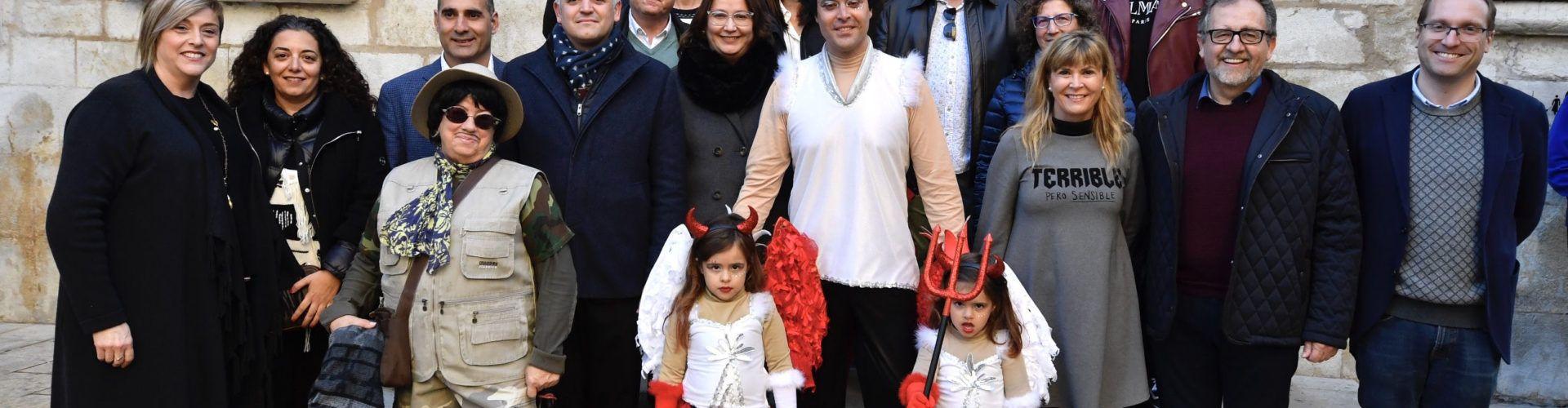 Visitas de autoridades al primer desfile de Carnaval