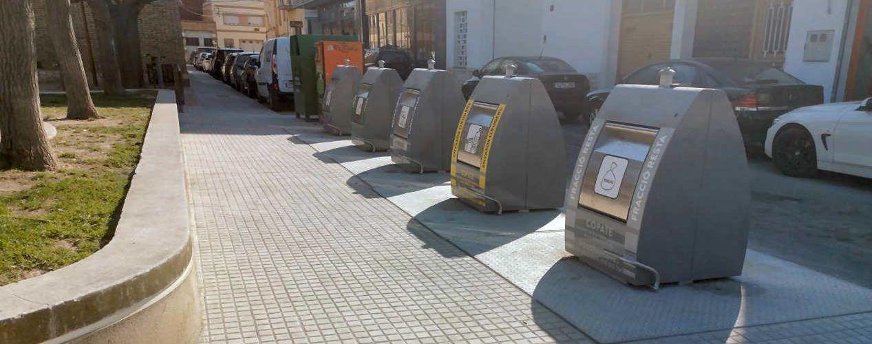 Amposta inicia la renovació de les illes de contenidors soterrats