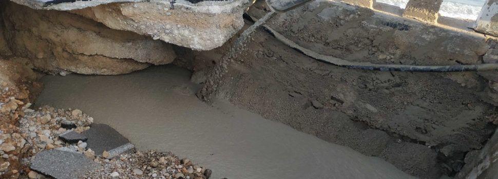 El Ayuntamiento de Vinaròs repara el puente de Saldonar, mientras Costas sigue sin ofrecer ayuda