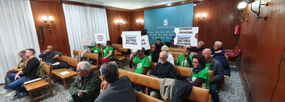 Una malla antipájaros provoca críticas de la oposición y de ecologistas en el pleno de Vinaròs