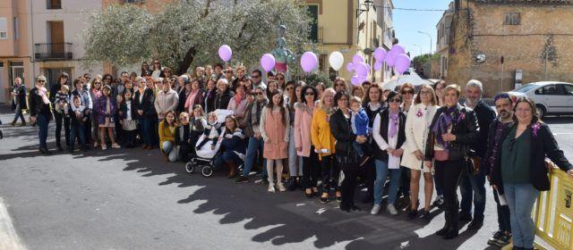 Càlig commemora el Dia de la Dona amb la lectura d'un manifest i un mural