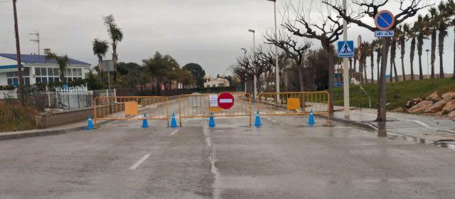 L'Ajuntament d'Alcanar tanca els accessos secundaris a les Cases perquè no entren persones persones amb segona residència