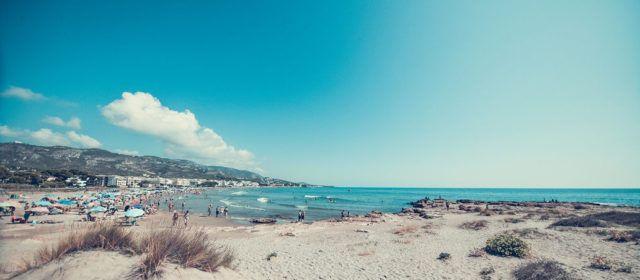 Alcalà-Alcossebre denúncia l'ambigüitat dels protocols per a l'obertura de platges i que es trasllade tota la responsabilitat als municipis