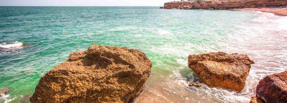 Vinaròs obri la temporada de bany amb la campanya Platges i Cales de Vinaròs segures