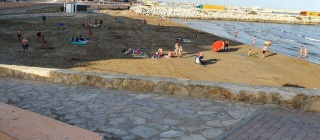 Van llegando los turistas a Vinaròs