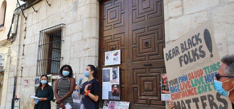 Concentració antiracista a Vinaròs: fotos i vídeo
