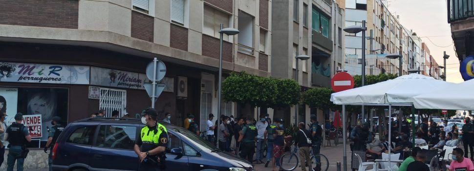 Controles de Guardia Civil y Policía Local en el centro de Benicarló