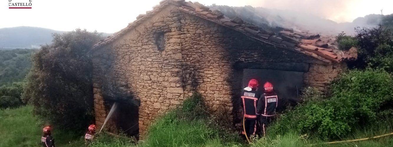 Sufocat un incendi per raig al Mas de Nasio de Portell