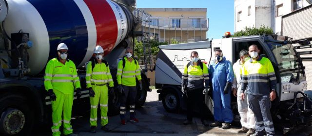 Ajuntament i CEMEX col·laboren en les tasques de neteja i desinfecció dels carrers d'Alcanar