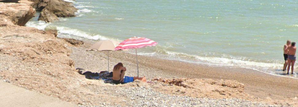 """Una radio argentina """"descubre"""" por Google Maps una mujer ¿llorando? en una playa de Vinaròs"""