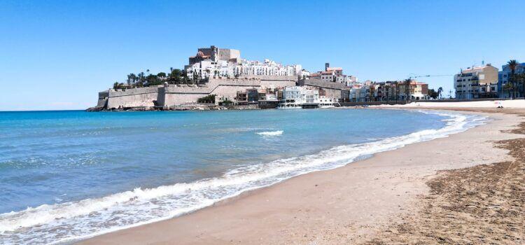 Peñíscola aprueba por unanimidad el Plan de Contingencia para las 18 playas y calas de la localidad