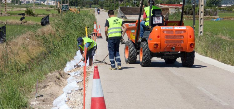 Els ajuntaments d'Amposta i la Ràpita comencen les obres d'arranjament de la carretera al Poble Nou