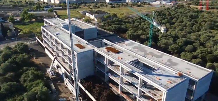 Vídeo: Les obres de la residència de Vinaròs, a vista de dron