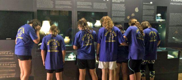 Els infants de les estades d'estiu d'Amposta visiten el Museu de les Terres de l'Ebre