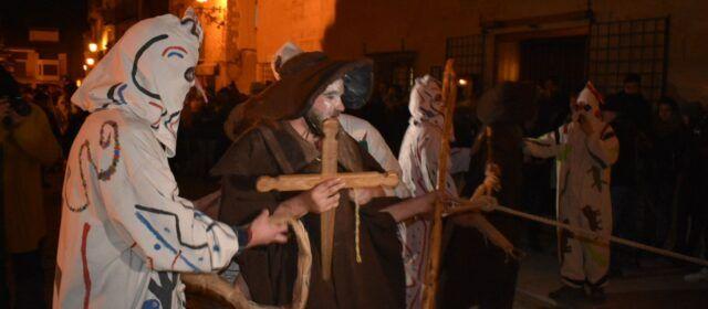 Las restricciones por el covid-19 hacen peligrar las Santantonades en Els Ports