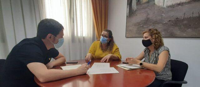 El diputat de Sostenibilitat es reunix amb les alcaldesses de Vilafranca i Benassal per les obres al pou de Llargueres