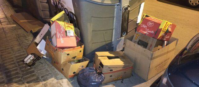 Fotos: Escombraries acumulades als carrers de Benicarló