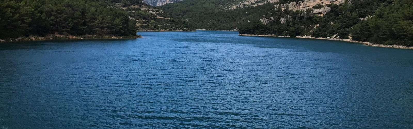 Fotos: el pantà d'Ulldecona, en un diumenge de sol i vent