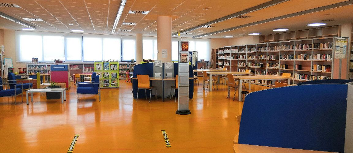 La Biblioteca Municipal de Peníscola registra més de 800 usuaris i el préstec de més de 600 llibres en els mesos de juliol i agost