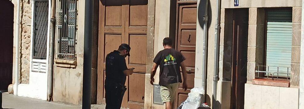 """Una vecina de Vinaròs se ve obligada a vaciar su casa al haber sido invadida por tres """"okupas"""""""