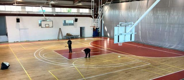 Estrenado el nuevo parquet del pabellón de Vinaròs