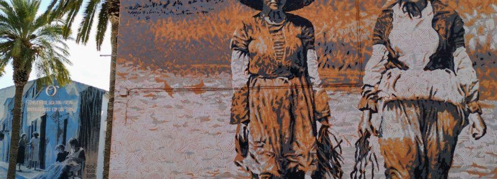 Fotos: La dona pagesa, en un mural a la Ràpita