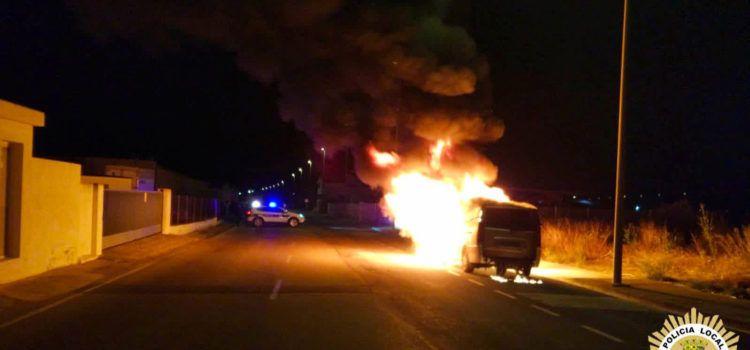 Incendiat un taxi al Camí Rossell de Vinaròs