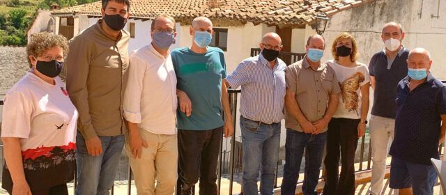 Blanch (PSPV-PSOE) aposta per les plantes d'energies renovables en una reunió a Vallibona d'alcaldes dels Ports