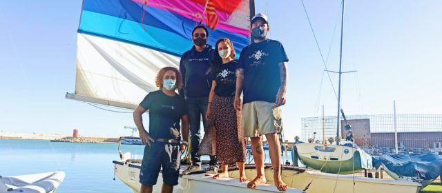 De Barcelona a Cádiz, a vela pero con vuelco en aguas de Peñíscola