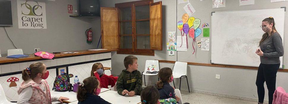 L'Ajuntament de Canet promou les classes d'anglés per a l'alumnat del municipi