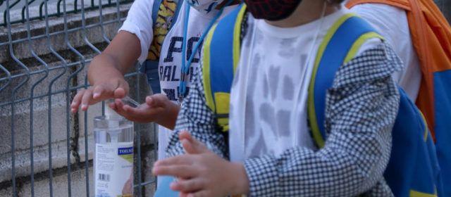 Primers confinaments de classes a l'Escola Ramón y Cajal i a l'Institut Sales i Ferré d'Ulldecona