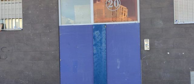 La Policia Local de Benicarló tanca un edifici desocupat per motius de salubritat
