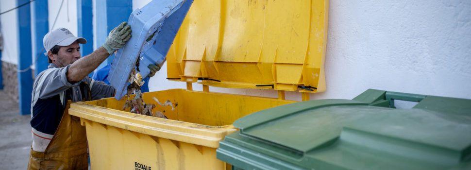 Los pescadores valencianos recogieron 76.000 kilos de basura marina en 2019, el 50% de toda la recogida en España
