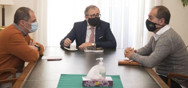 El president de la Diputació i l'alcalde de Traiguera aborden el problema de la inexistència de depuradora a la Font de la Salut
