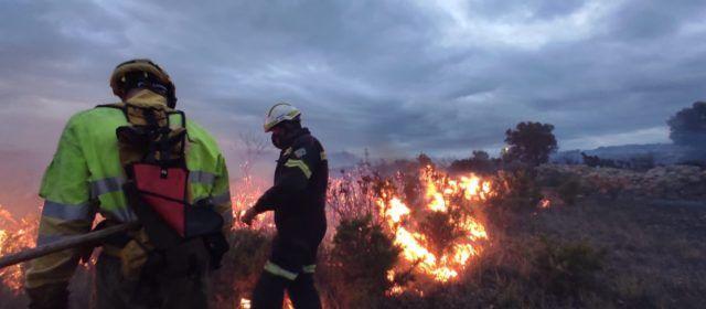Fotos: incendio de vegetación en Catí