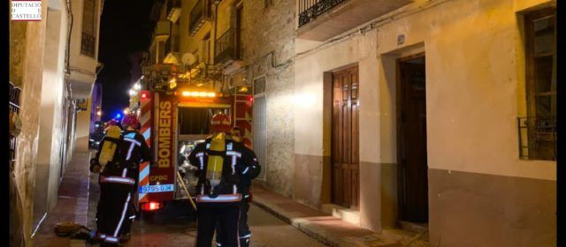 Evacuadas por el balcón tres personas en un incendio en Vilafranca