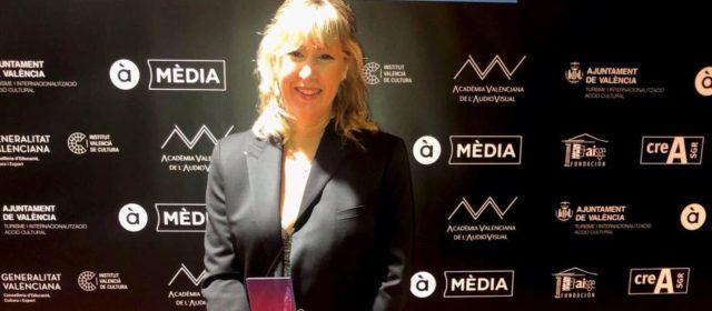 Inés Roig, de Vinaròs, gana el premio al mejor vestuario en la Gala del Audiovisual Valencià