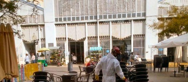 Els bombers desinfecten Vinaròs i les altres ciutats castellonenques més afectades ara per la pandèmia