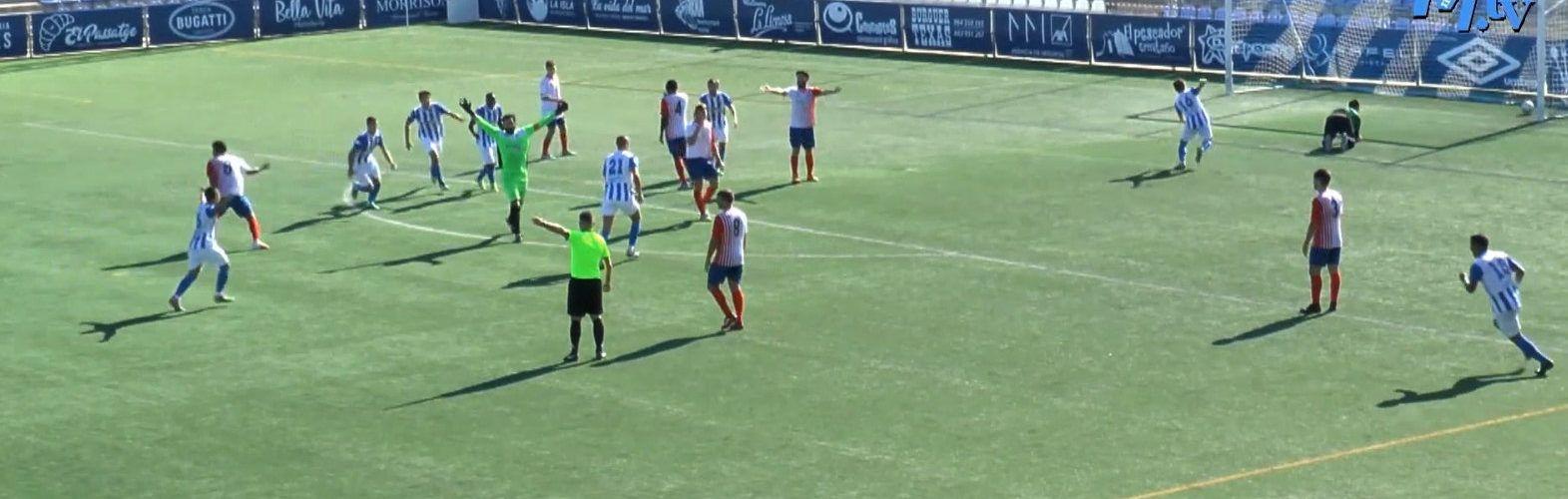 """Insólito: El portero del Vinaròs CF marca un gol y un instante después, el ACD Peñíscola le """"devuelve"""" el gol"""
