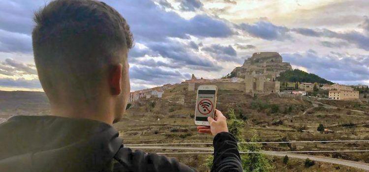 La falta de cobertura para móviles, eterno problema en los pueblos de Els Ports