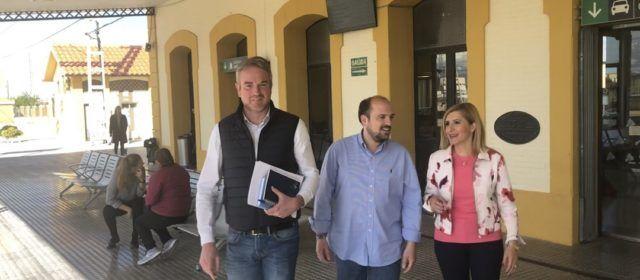 PP Vinaròs: El PSOE mantiene seis meses después el recorte de 10 trenes al día entre Vinaròs y Castellón