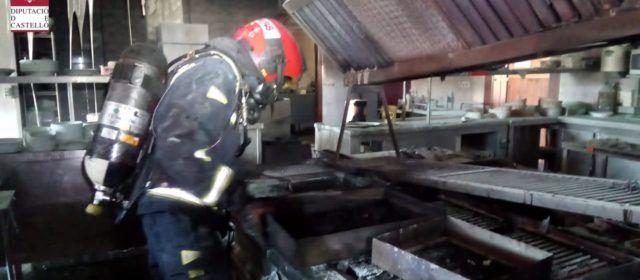 Un ferit en incendiar-se un restaurant a la Ratlla del Terme a Benicarló