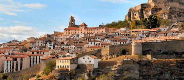 Morella dóna la benvinguda al 2021 des dels balcons