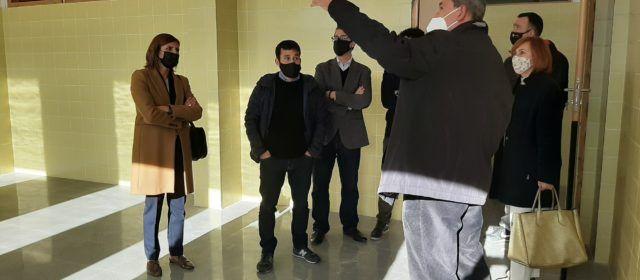 Comença la instal·lació de mobiliari i material per obrir l'11 de gener el nou col·legi de Canet lo Roig