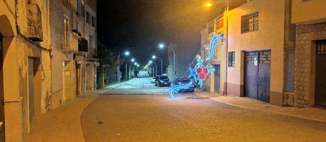 Es despenja un arc de llums nadalencs a La Jana