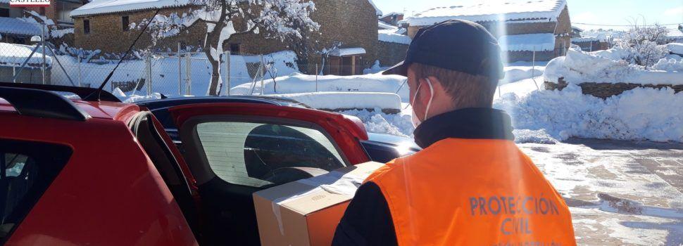 Protección Civil traslada pruebas PCR y vacunas entre pueblos nevados y el Hospital de Vinaròs