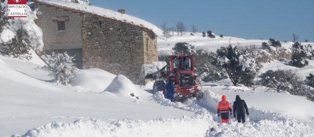 Vídeo y fotos: Servicios de este martes de los bomberos por las nevadas