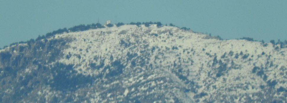 Fotos: El Turmell encara enblanquinat, vist des de Vinaròs