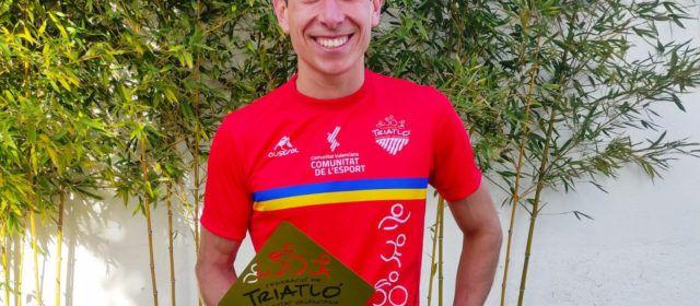 Guillem Segura, millor triatleta absolut en el circuit de la Diputació de València 2020
