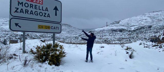 Fotos: La N-232, una de les més afectades per la neu